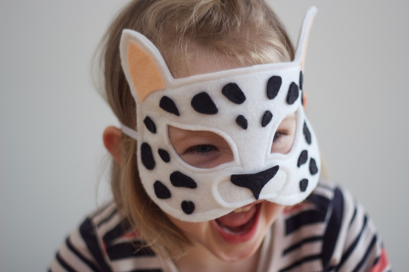 Wild Things - Snow Leopard Felt Animal Mask PDF Sewing Pattern from Willow & Stitch