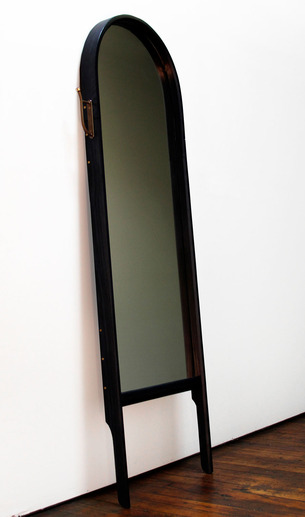 Mirrors-O_G-PANIOLO-thumb-306x517-59781.jpg