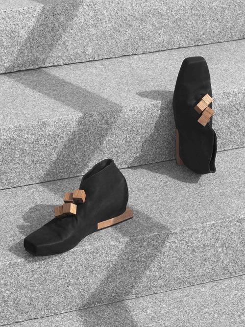dora shoes.jpg