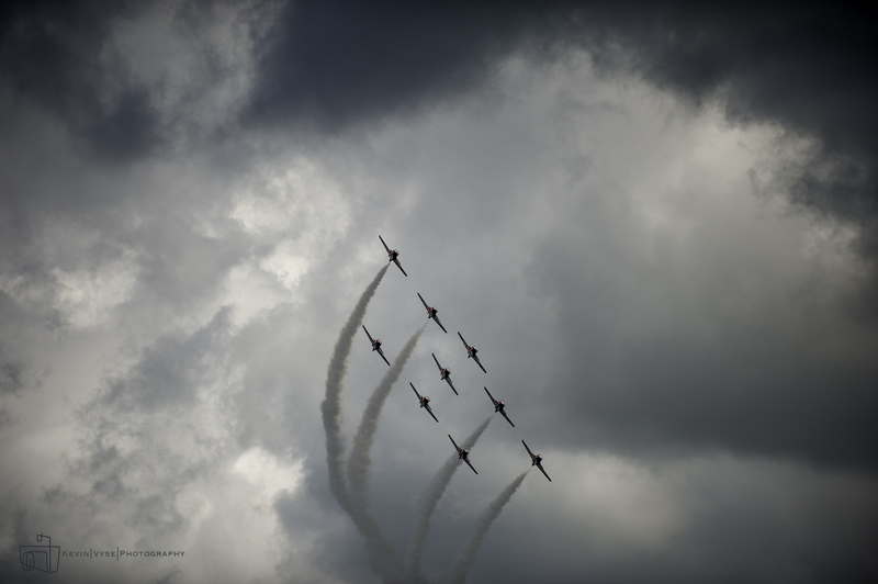 Snowbirds formation banking-web.jpg