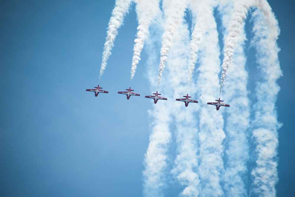 Snowbirds backflip - Print.jpg
