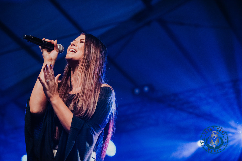 Jess Moskaluke performing at the 2019 JUNO's - Side Stage in London, On. © Kevin Vyse | Stage Pass Media