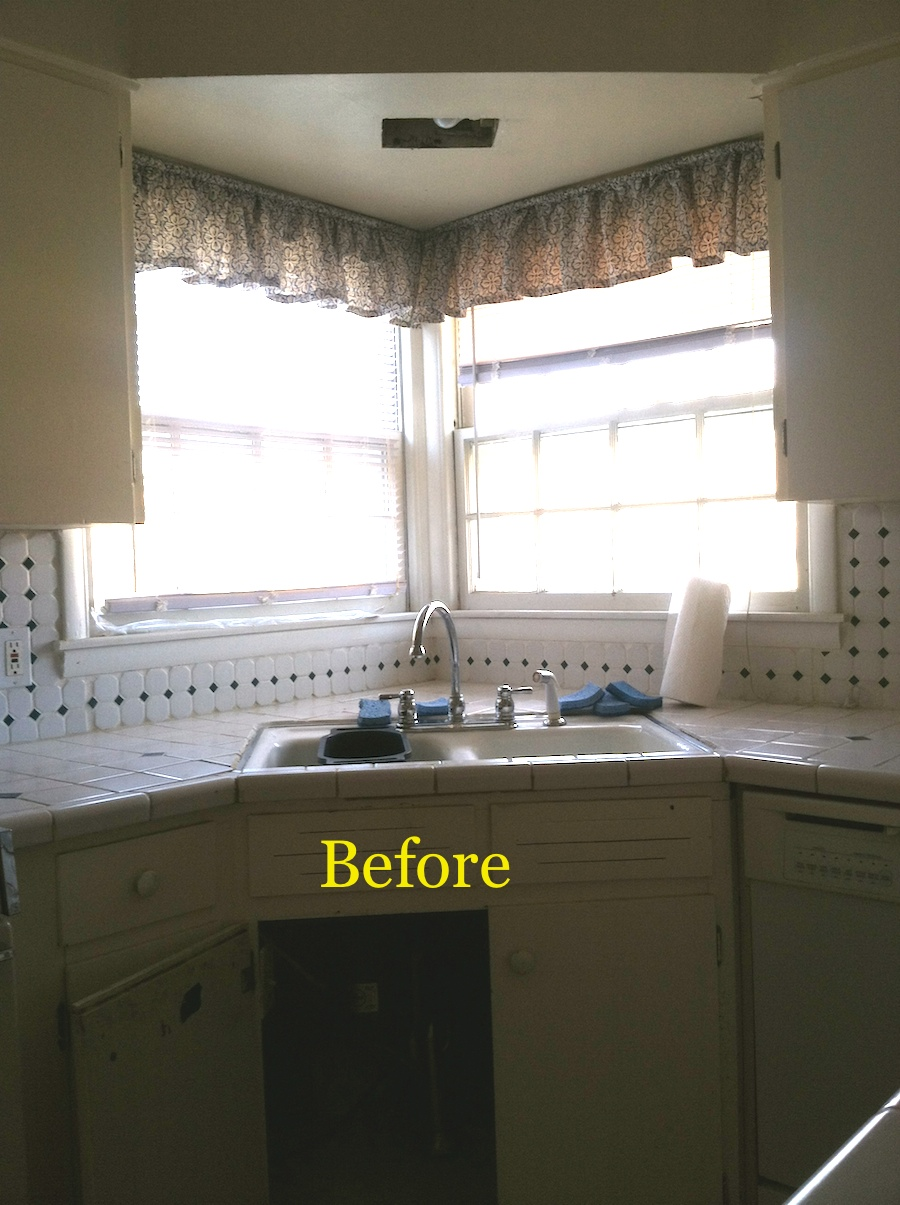 Rexford kitchen before.JPG