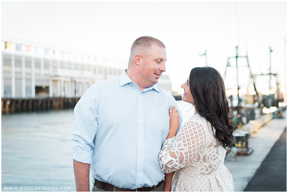 Jessica K Feiden Photography -Fort Point Boston Engagement Photos - Boston Wedding Photographer_0004.jpg