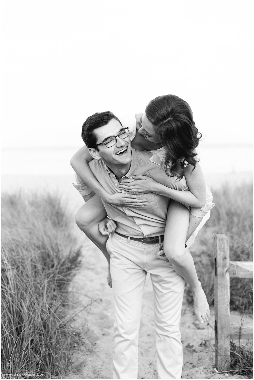 Jessica K Feiden Photography_Oregon Beach Cotuit Engagement Session_0014.jpg