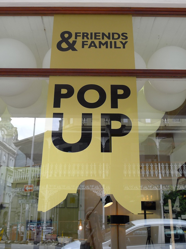 FRIENDS & FAMILY POP-UP