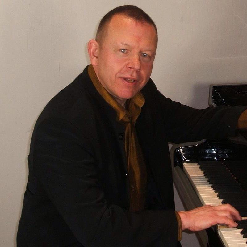 Practising the Piano - Graham Fitch maintains an international career as a pianist, teacher, adjudicator, examiner, lecturer, writer and commentator on piano-playing and musical subjects.
