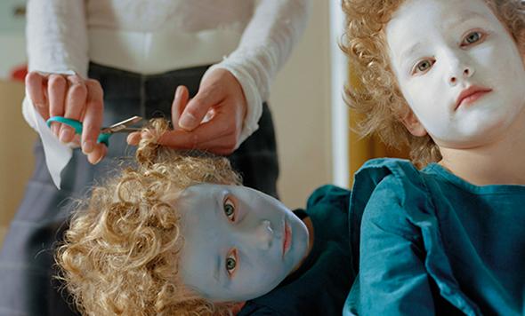 MAKE & HAIR - Procuramos por profissionais comprometidos com ideias autênticas para transformar a maneira que pintamos, esculpimos e emolduramos nosso corpo. Sabe fazer?