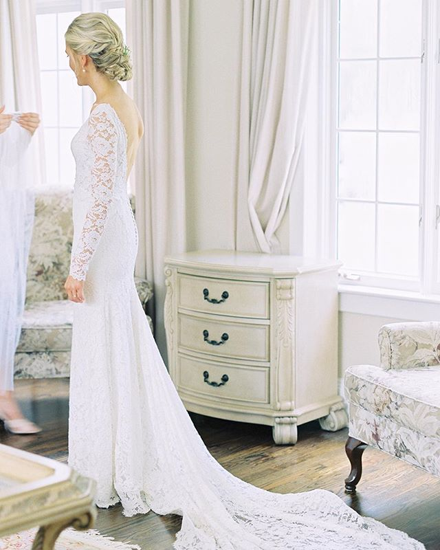 Ugh, can you believe how gorgeous this dress is?? It is so delicate and dreamy 😍! Also, it's a two piece! The amazing @raimentofwhite created a separate lacy top with sleeves for something with a little more coverage for ceremony and family photos. You have to check out her work, it's unbelievable! 🙌  The rest of the vendor team that day also consisted of literal angels:  Makeup: @thelookbridal  Hair: @morganlovelyhair  Dress: @raimentofwhite  Planner: @shaw_events  Shoes: @bellabelleshoes  Florals: @bloom_and_co  Venue: @ravinevineyardevents  DJ: @djdonnalovejoy  Stationary: @aliciasinfinity ⠀⠀⠀⠀⠀⠀⠀⠀⠀ #dress #weddingdress #weddingdressdesigner #weddinggown #fashun #weddingstyle #fineartwedding #fineartphotographer