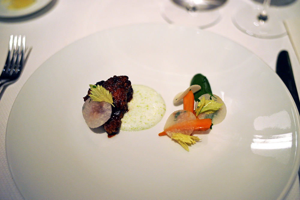 Sweetbread – kohlrabi, carrot, green garlic