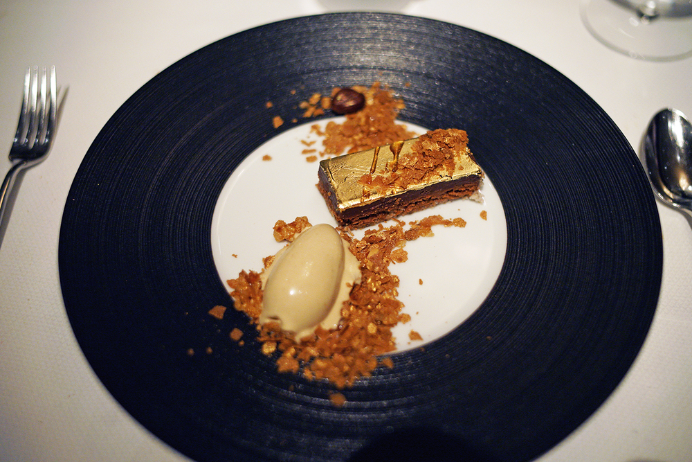 All that Glitters Is Gold – hazelnut, gianduja, praline