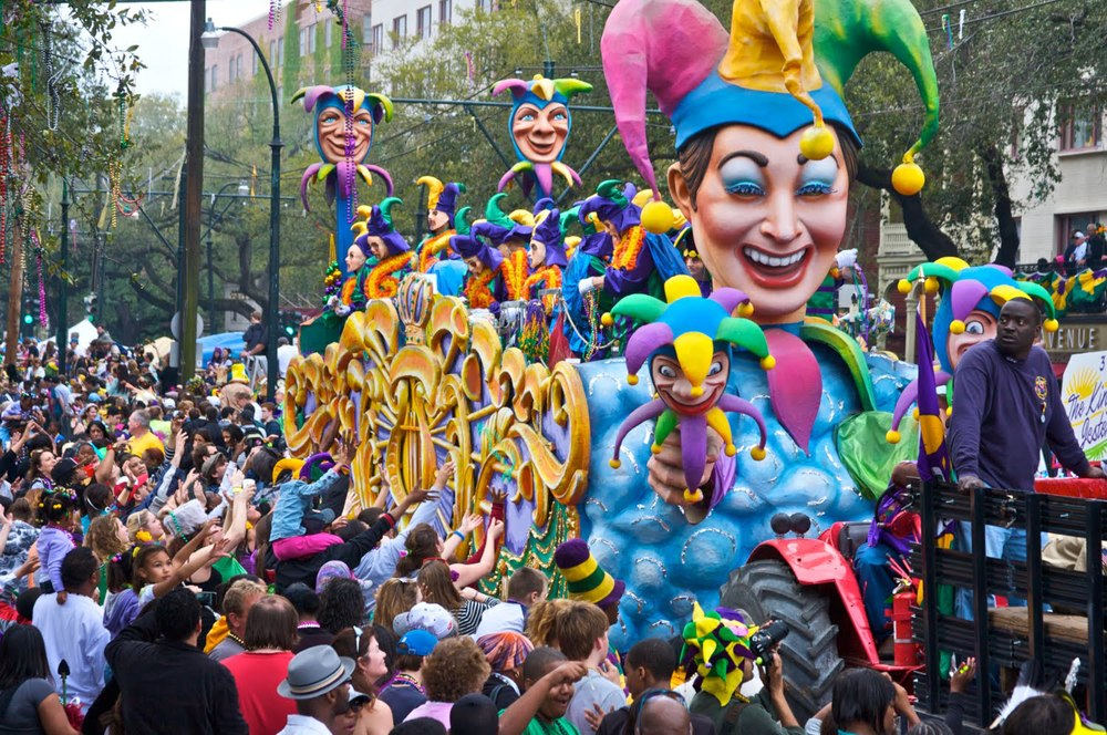 Best Hotels In French Quarter For Watching Mardi Gras Parade