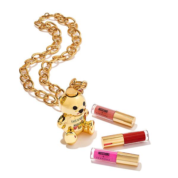 Moschino-Sephora necklace.jpg