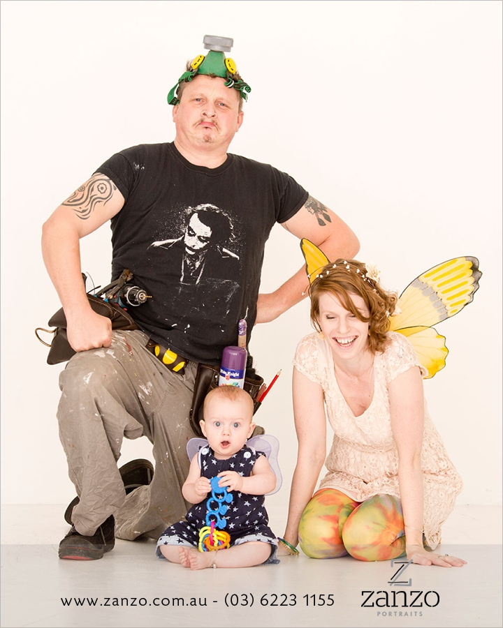 Zanzo-portraits-family-fun-costumes