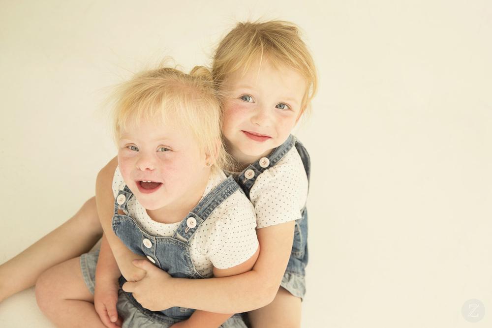 Mia & Amelia