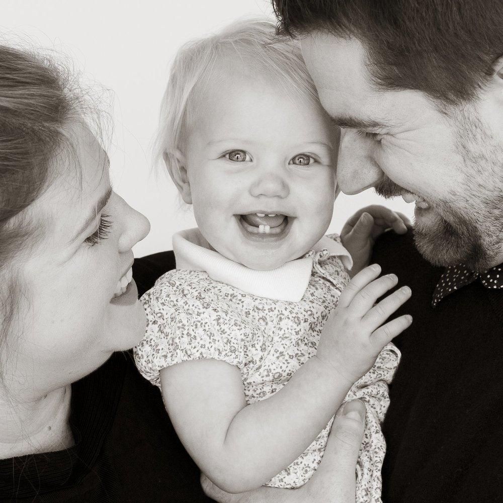 zanzo_portraits_hobart_photographer_tasmania_family_baby__0068.jpg