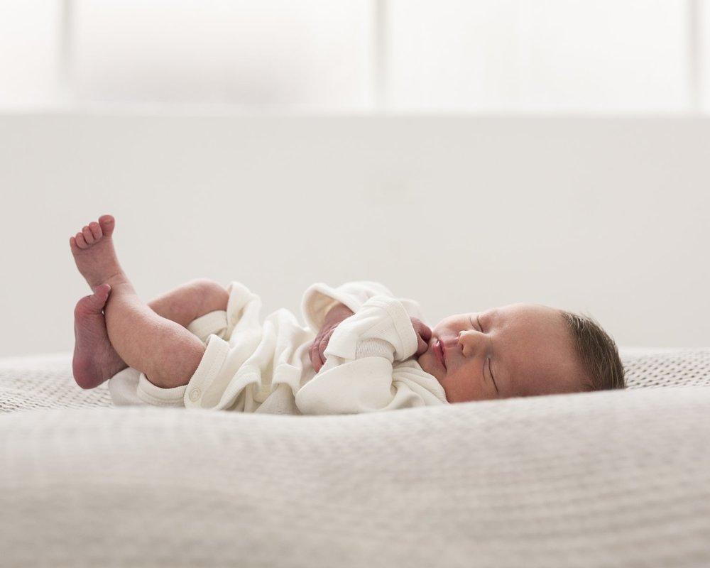 zanzo_portraits_hobart_photographer_tasmania_family_baby__0049.jpg