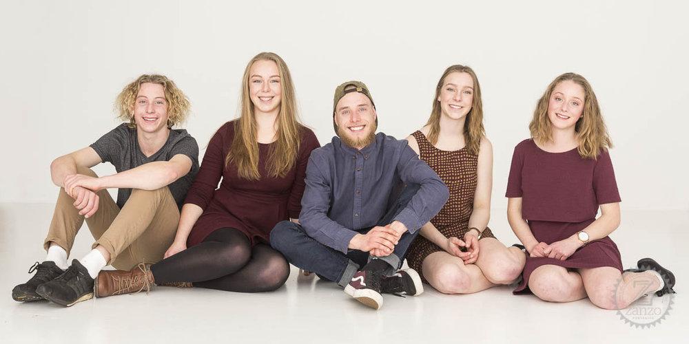 5 teenagers together in Hobart studio portrait.jpg
