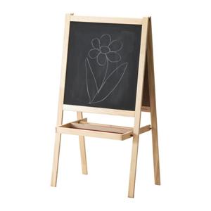 Old school-vibbar med den här griffeltavla från Ikea, 199 kronor.