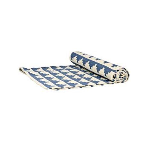 Stor, vävd matta med mönster  från Lagerhaus, 799 kr.