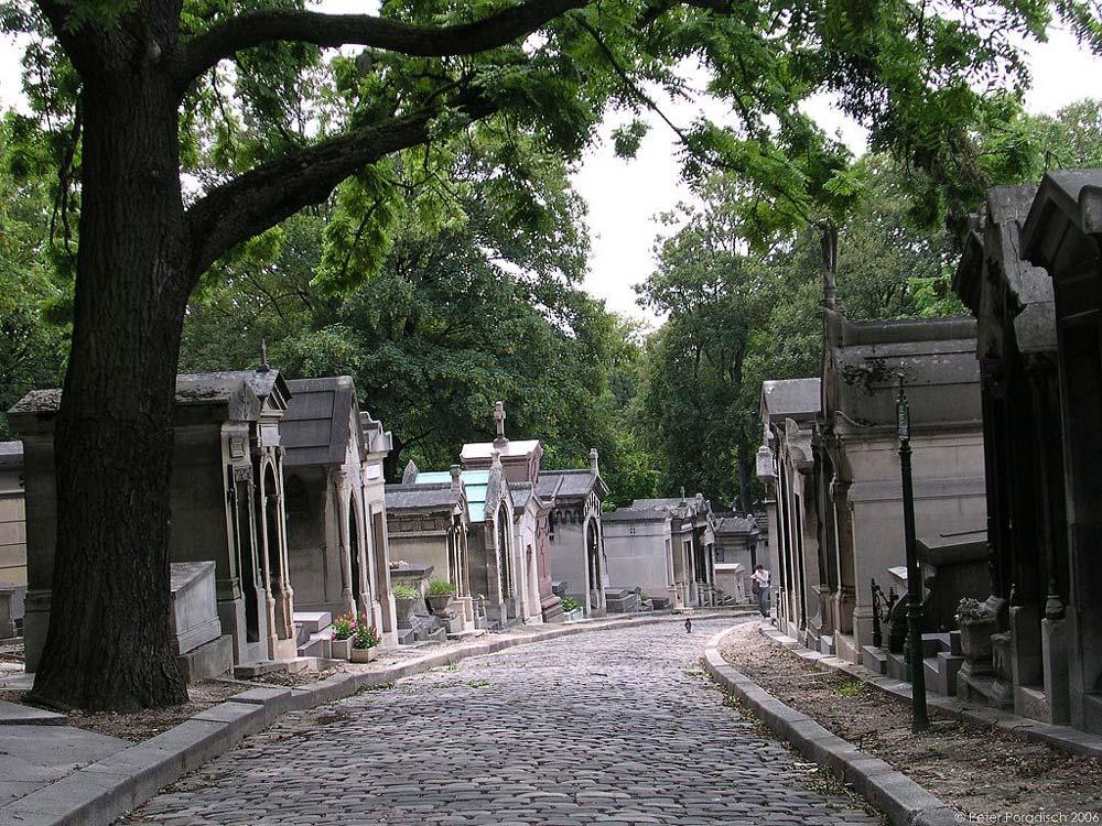 Bilden är från Père Lachaise kyrkogården. Så vackert!