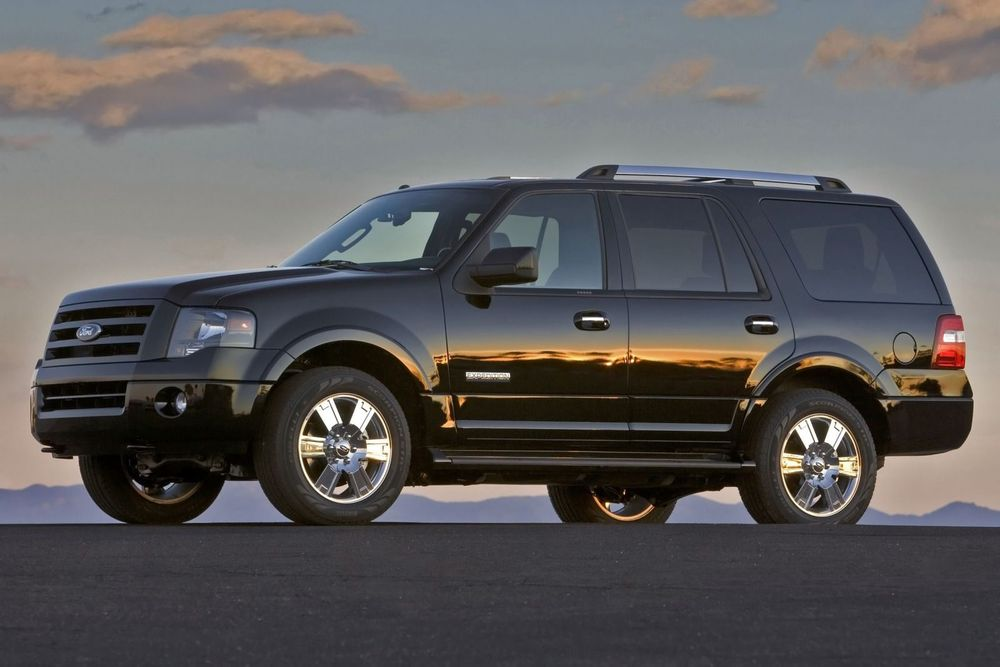 2013_Ford_Expedition_Limited_3704506.jpg