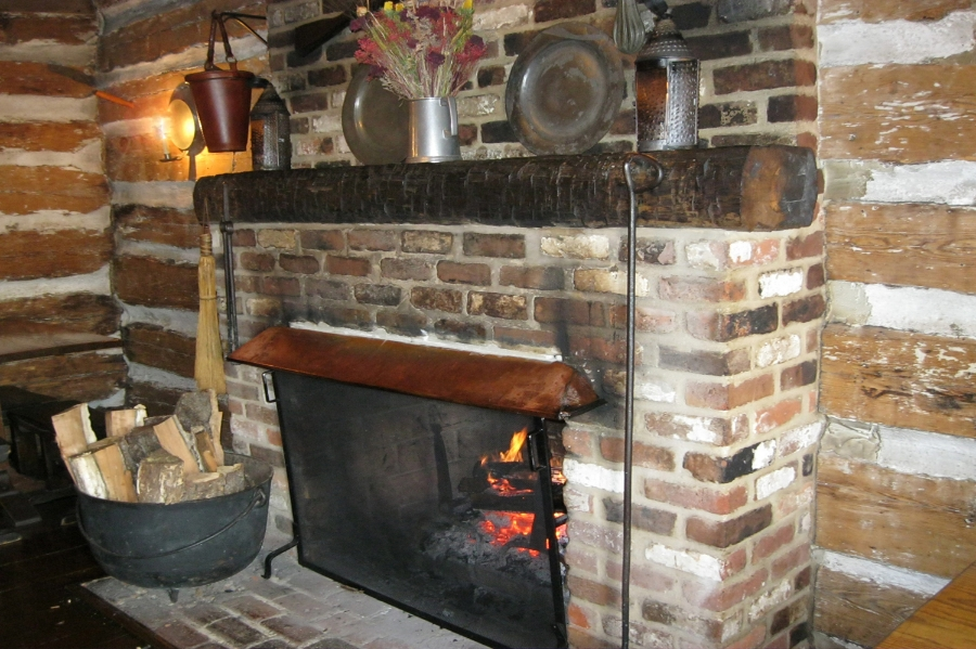 [Fireplace in front room at Michie Tavern]