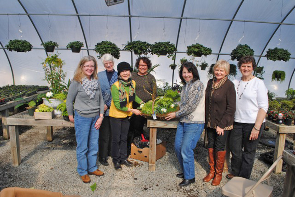[Garden Group with master gardener Midori (wearing hat) at Ivy Nursery]