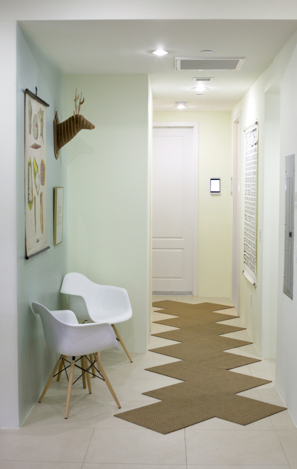 zmaic-one-month-interior-design-hallway-flor-seating-nook.jpg