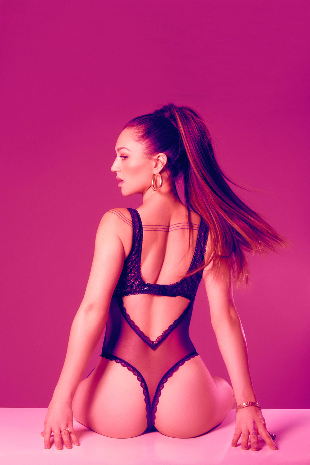 Ariana Grande inspired pink boudoir session