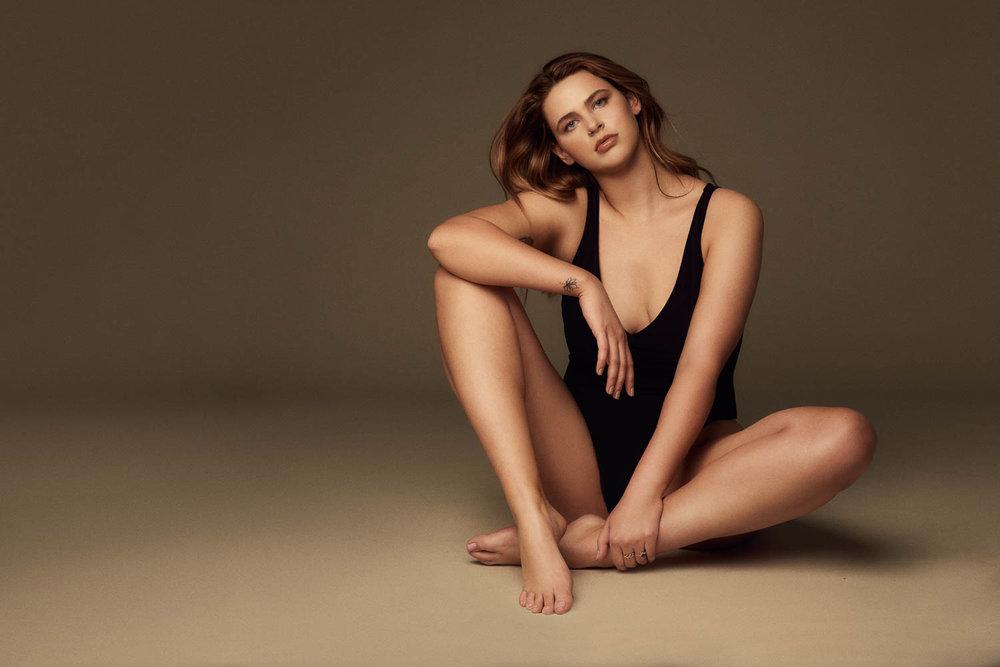 Curve modeling portfolio photographer