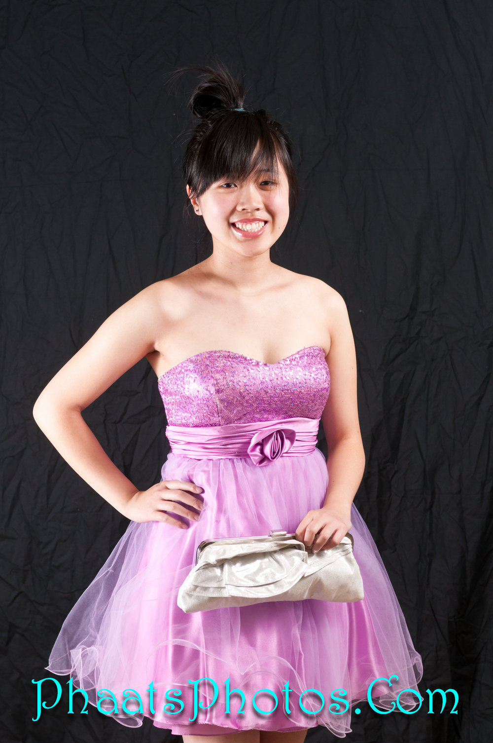 26.1 - Cindy Feng - Photo Release Apr2012.jpg