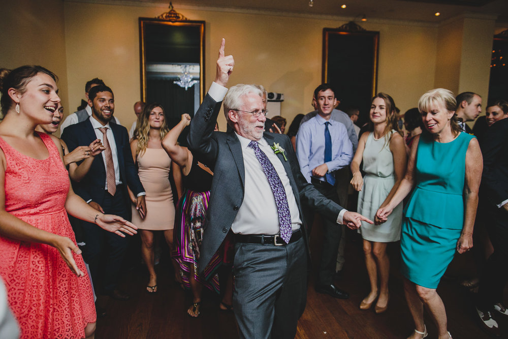 father of the bride dances at rosewater toronto wedding