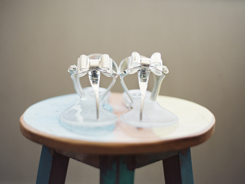 linnea-paulina-film-wedding-photographer-gorge-crest-wedding-shoes.jpg