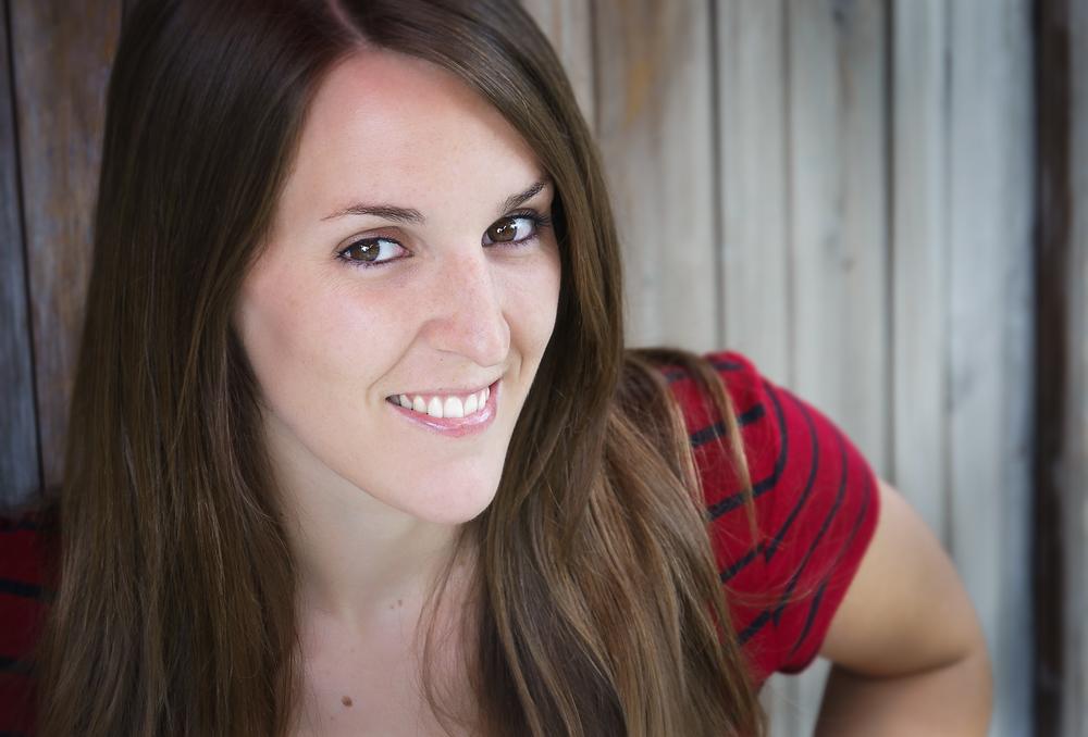 headshot charlotte juillet 2013_001.jpg