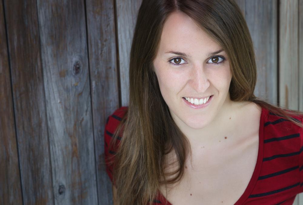 headshot charlotte juillet 2013_002.jpg