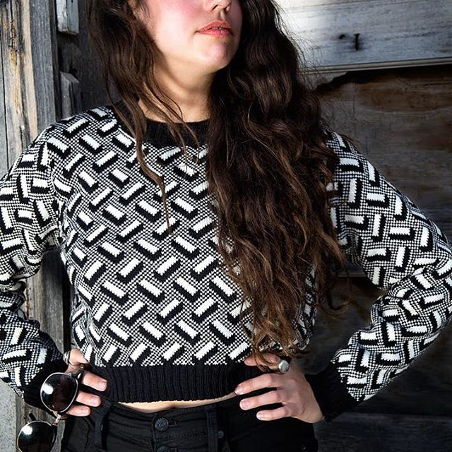 Sale section is live on sourpussknits.com, only a handful of pieces available like this cropped Blocks sweater!