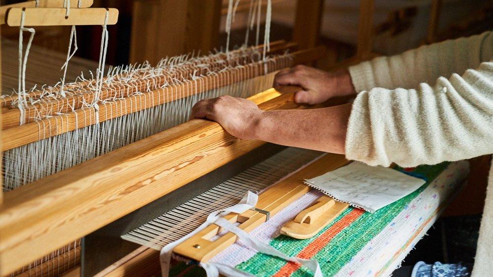 weaving+swedish+rug+0.jpg