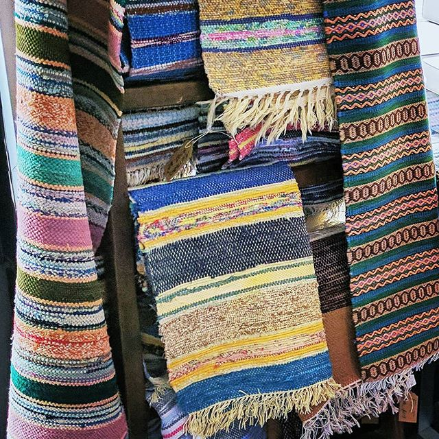 Just an arrangement of beautiful and colorful handwoven rugs by Swedish artisans. Such eye candy!