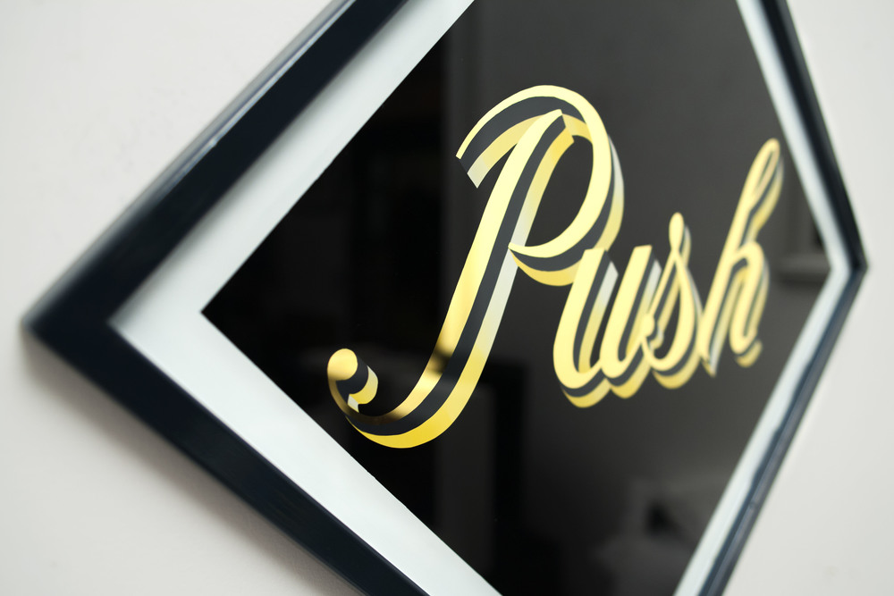 PUSH_V1_DETAIL_01low.jpg