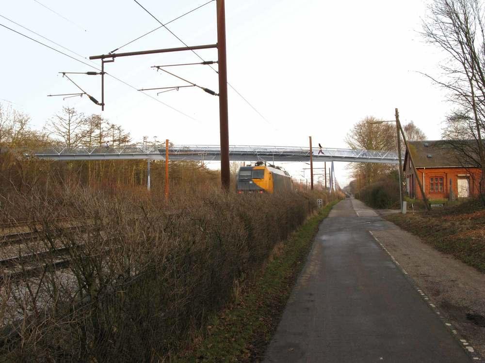 vestvolden-stibro---IMG_0033-V-handrail---white-steel.jpg