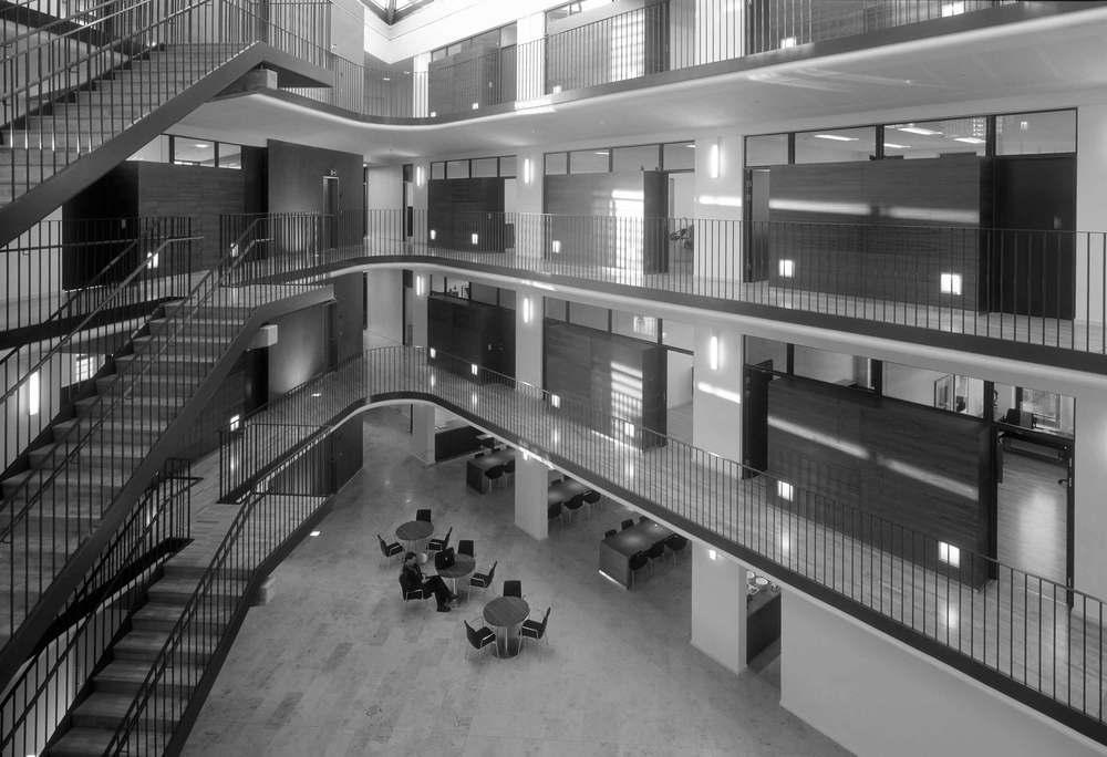 Gladsaxe Kommunes forskønnelsespris 2002 Tildelt det nye domicil for Danske Trælast A/S.