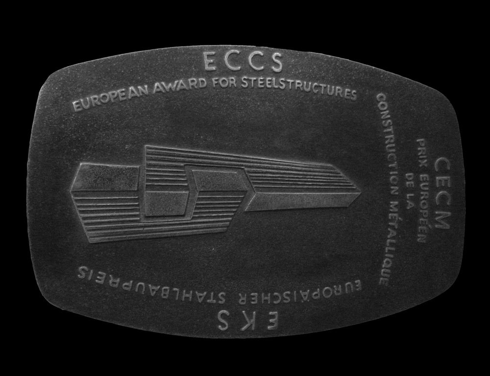 ECCS, European Award for Steel Structures 1999 Storebæltsforbindelsens østbro tildeles ECCS, European Award for Steel Structures.