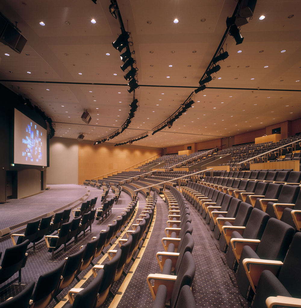 DW-4633-Auditorium-Bella-C-25-H.jpg