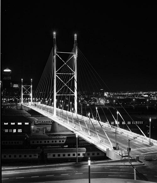 Sydafrikansk Institut for Civilingeniørvirksomhed, præmie for teknisk kompetence 2003 Nelson Mandela Bridge i Sydafrika, præmie for den mest fremtrædende projektpræsentation inden for civilingeniørvirksomhed i kategorien for teknisk kompetence. Tildelt af Sydafrikansk Institut for Civilingeniørvirksomhed.