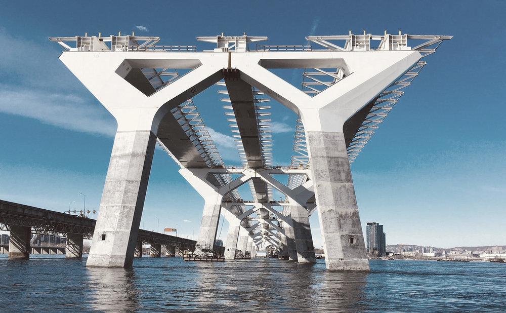 Broer forventes ligesom bygninger at kunne tilføre byer og områder  merværdi , som ligger ud over den rent funktionelle.