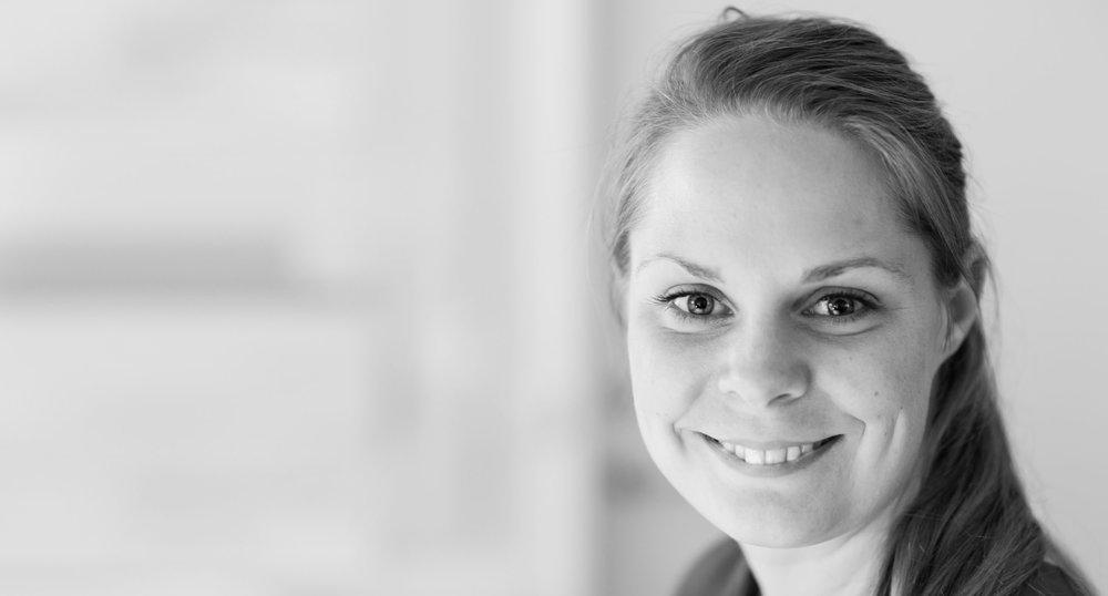 Som arkitekt og bæredygtighedsleder vejleder Gitte Sørensen samarbejdspartnere om alt fra materialer til DGNB-certificering.