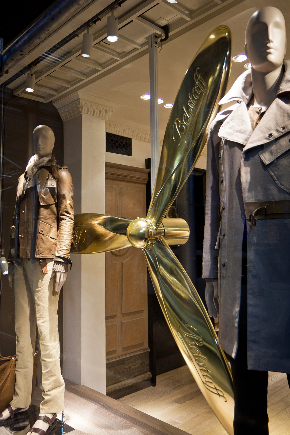 Belstaff_Madison_Propeller.jpg