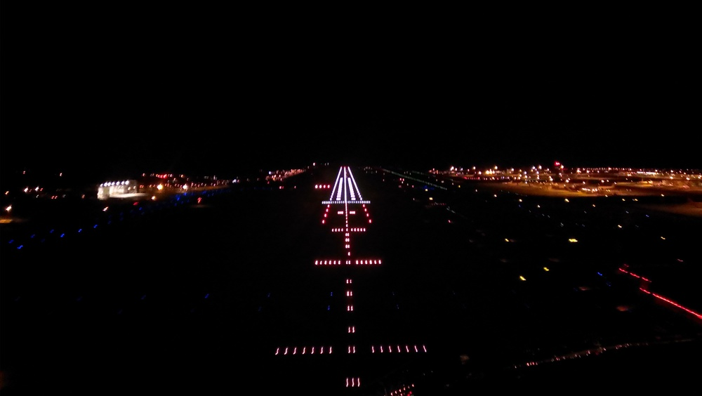 Thanks to A Pilot's View(Copyright © 2014 A Pilot's View)for this image of final approach into London Gatwick Airport at night. Similar to Oxford, but with more lights and a higher landing fee!