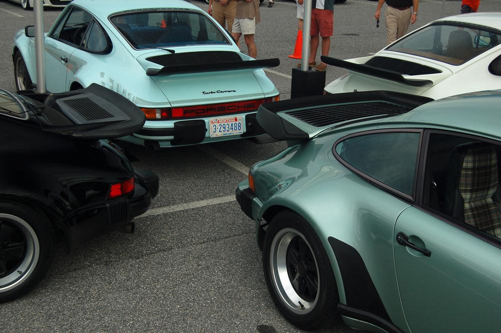 Porsche 930 Display.jpg